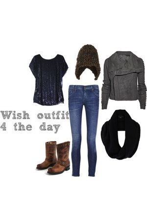 haute hippie t-shirt - leather Frye Boots boots - Citizen of humanity jeans