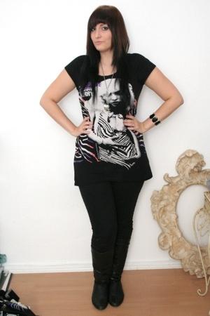 H&M t-shirt - H&M bracelet - H&M jeans - Bijou Brigitte necklace - H&M vest - H&