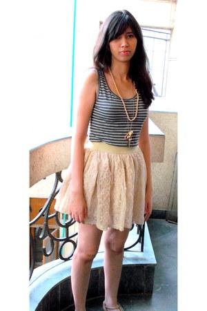 floral skirt BASS skirt - cotton W top - Promod sandals