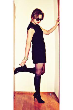 black blouse - black free people dress - black stockings - black Giuseppe Zanott