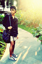 black shirt - white shoes - black bag - black bag - beige shorts