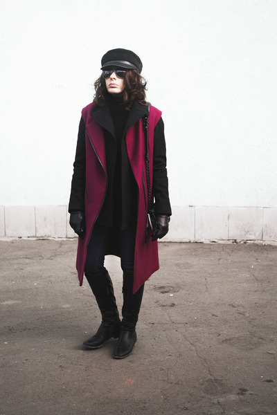 magenta waistcoat I am coat - black Secondhand coat - black chicnova hat