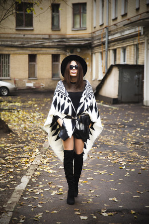 ivory Zara scarf - black Centro boots - black River Island hat