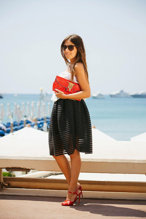 black OASAP skirt - red Gemelle Toscane purse - red tory burch sandals