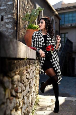 black H&M dress - black unconventional secrets coat - black Calzedonia tights