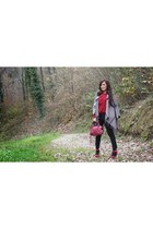 heather gray Pinko cape - brick red Dolce & Gabbana shoes