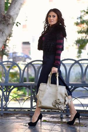 black Jimmy Choo shoes - gold Gemelle Toscane bag - black Roberta Biagi pants