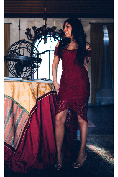 brick red Mangano dress - silver rene caovilla shoes