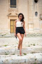 gold Jimmy Choo shoes - black Elisabetta Franchi bag