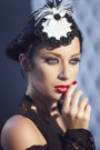 Black-lip-service-dress-white-victorian-woman-by-manuela-biocca-hat