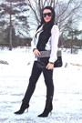 Black-boots-white-zara-shirt-black-bag-black-valention-sunglasses