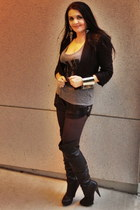 heather gray earrings - black boots - black Guess shorts - silver bracelet