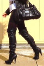 Black-boots-black-bag-black-zara-skirt