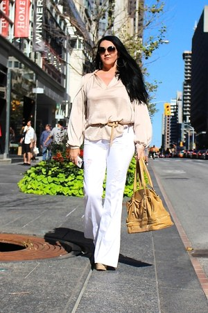 tan LABELSHOEScom bag - white Guess jeans - brown Tom Ford sunglasses