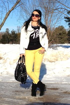black boots - light yellow Guess jeans - black bag - black top