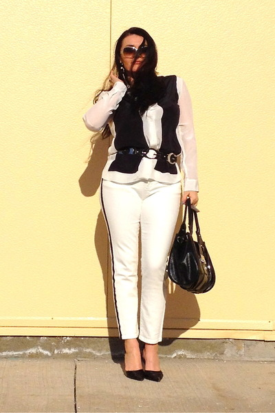 black bag - white Zara jeans - white Zara shirt - black pumps - black Guess belt
