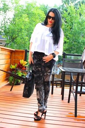 gray Guess jeans - black Zara sandals - white H&M top