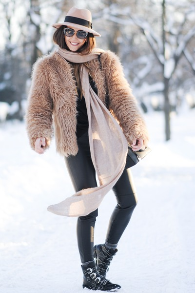 black Jessica Buurman boots - nude Shopbop coat - camel Choies hat