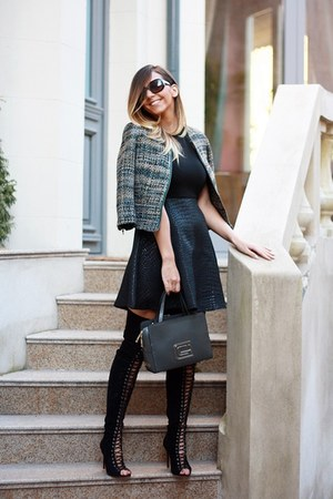black Jessica Buurman boots - black versace dress - black Fendi sunglasses