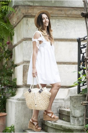 white Shopbop dress - cream Mystique bag