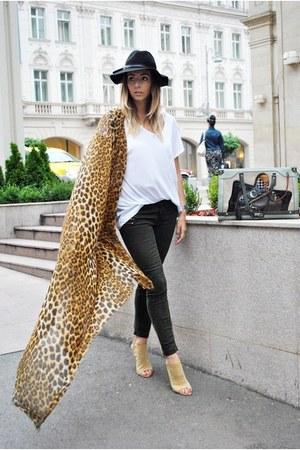 dark green Zara jeans - burnt orange Bershka scarf - LaPallete bag
