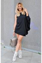 black rosewe dress