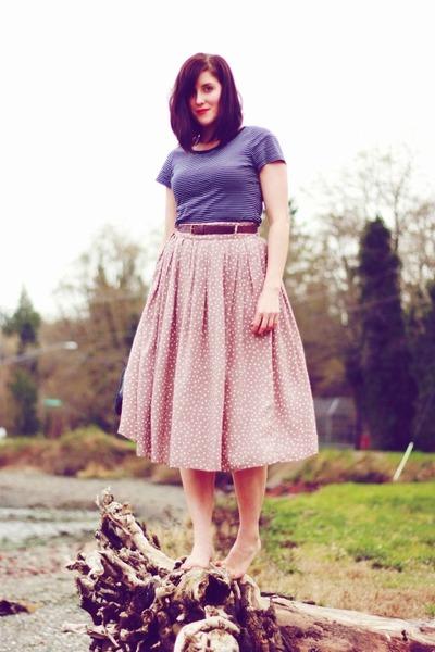 tan polka dot Forever 21 skirt - navy striped Target t-shirt