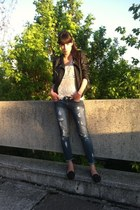 black leather poema jacket - black poema shoes - blue jeans poema jeans