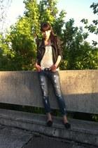 black leather poema jacket - black poema shoes - blue jeans poema jeans