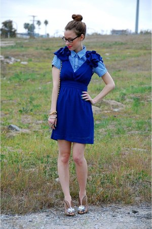 navy rosettes v neck LuLus dress - blue JCrew shirt - camel Poetic License heels