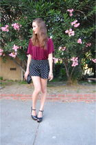 red Urban Outfitters top - black Urban Outfitters Outfitters shorts - black Mich