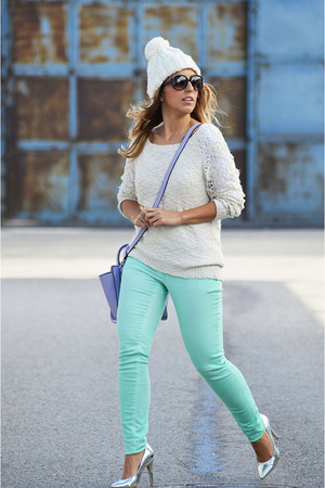 light blue H&M jeans - cream BLANCO sweater - violet asos bag