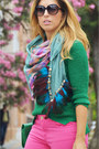 Hot-pink-easy-wear-jeans-green-sfera-sweater-purple-zara-scarf