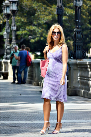 violet el corte ingles dress - bubble gum bag - white Zara heels