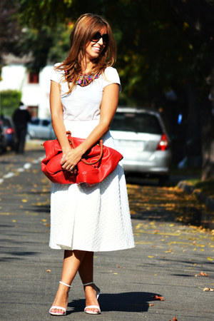 red martina-K bag - ivory Topshop skirt - white H&M t-shirt - white Zara heels