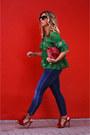 Green-shein-shirt-red-zara-bag