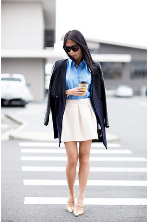 beige heels - black coat