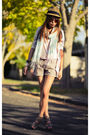 Beige-shorts-blue-scarf