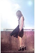 black accordian pleat skirt - black Topshop heels