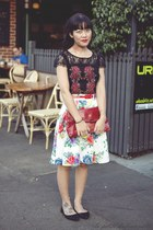 black top Review top - ruby red clutch vintage bag - white skirt Review skirt