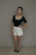 black bodysuit Forever New bodysuit - ivory shorts Chicwish shorts