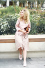 Tawny-michael-kors-bag-light-pink-stradivarius-sneakers