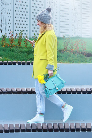 yellow sammydress coat - aquamarine DressLink bag - white Lacoste sneakers
