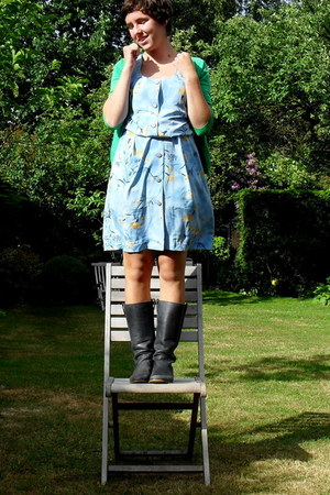 sky blue floral print vintage dress - navy boots