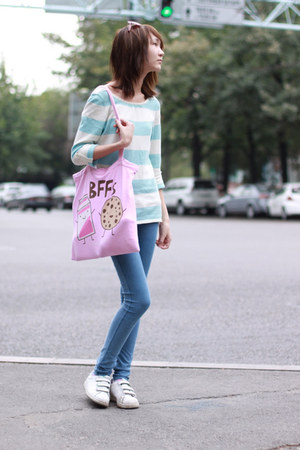 bubble gum david&goliath bag - sky blue Bershka jeans - pink oodji sunglasses