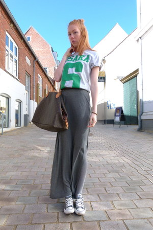 maxi H&amp;M skirt - 6 Superdry t-shirt - Converse sneakers
