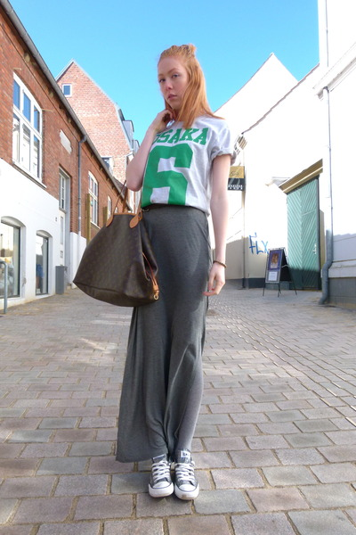 maxi H&M skirt - 6 Superdry t-shirt - Converse sneakers