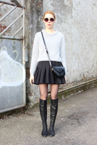 black scuba H&M skirt - heather gray asos sweater