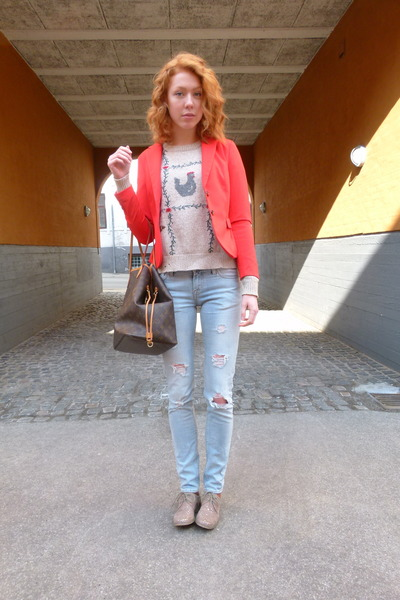 red H&M blazer - light blue Tiger of Sweden jeans - beige vintage jumper