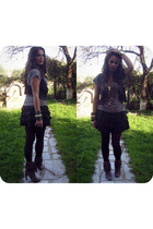 gray boots - gray t-shirt - black vest - black skirt - gold accessories